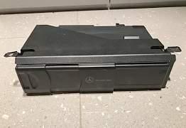 CD чейнджер Mercedes Benz A2038209089 - Фото #1