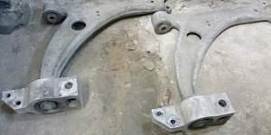 Рычаги передние нижние VW Passat B6 - Фото #2