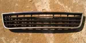 Решетка переднего бампера Audi A6 - Фото #1