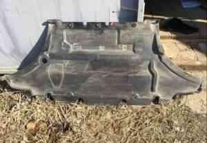 Штатная шумо изоляция и защита двигателя Ауди - Фото #1