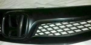 Решетка радиатора хонда сивик 8 4д - Фото #2