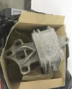 Опора подушка двигателя АКПП - Фото #2