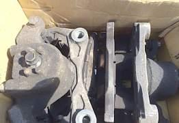 Передний тормозной суппорт Nissan Teana 33 - Фото #1