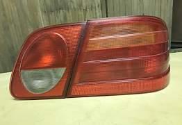 задние фонари на Мерседес W210 - Фото #3