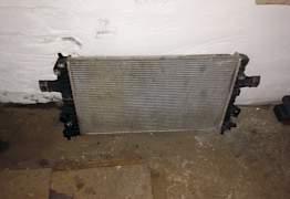 Радиатор Опель Астра Н 1,8 автомат Б/У оригинал - Фото #1