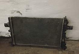 Радиатор Опель Астра Н 1,8 автомат Б/У оригинал - Фото #3