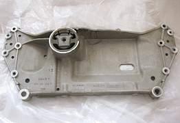 Передний подрамник б/у на VW Golf - Фото #3