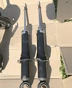 Амортизаторы задние на Toyota Corolla E12 2001-200 - Фото #1